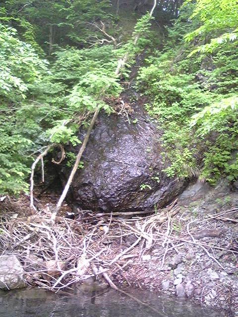 なまず岩のチカラ